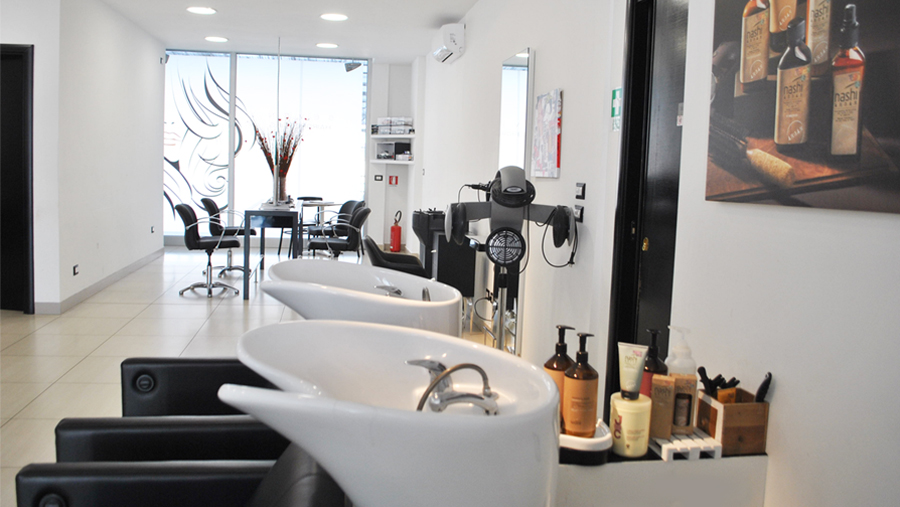 Salone in centro città a Cosenza - Alessandro Seven Hairdressing
